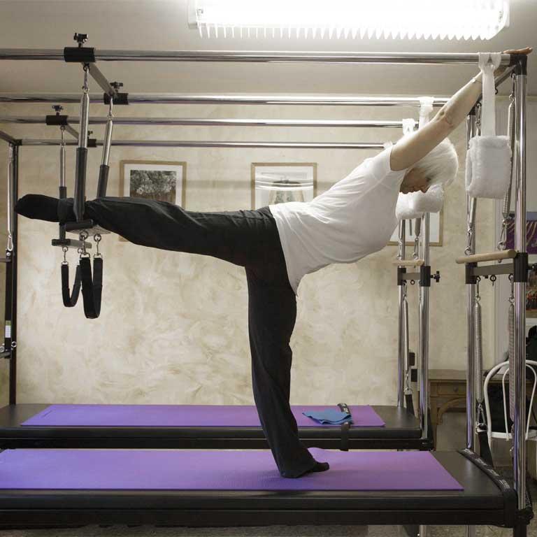 Halina Caneva Piekops durante lezione di Pilates